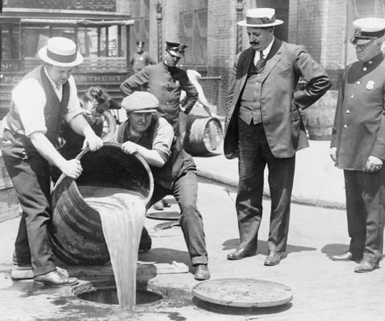The Feds Poisoned Alcohol during Prohibition and Murdered at Least 10,000 People