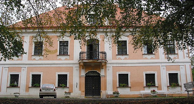 Reinhard Heydrich's Son Plans to Restore Castle where His Father Ruled