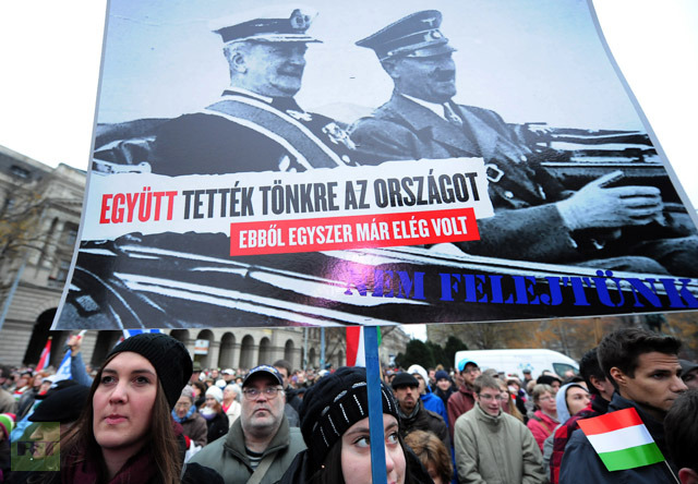 Thousands of Hungarians Protest against Compiling Lists of Jews Posing 'Security Risk'