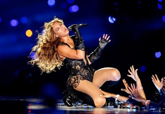 Beyonce and Four Other Pop Stars Who Performed for Dictators