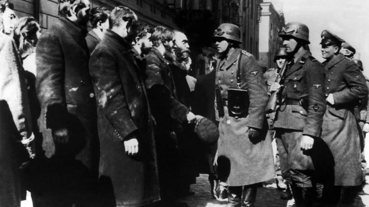 Government's Deal with Ex-Nazis Reprehensible (Chicago Tribune)