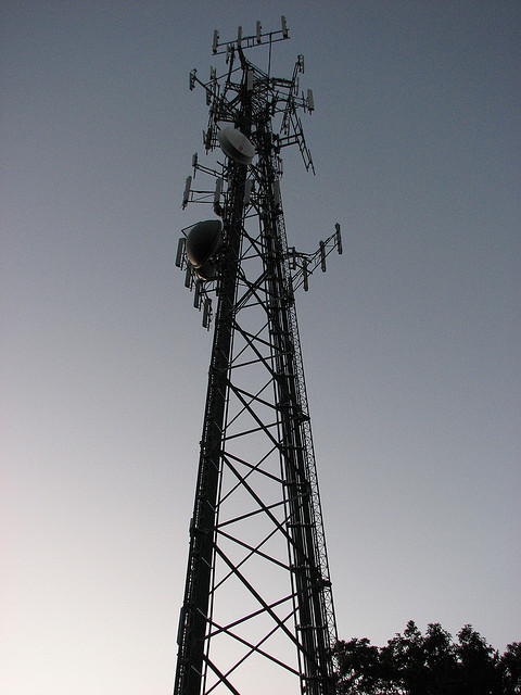 Cell-Phone-Tower_Keithius